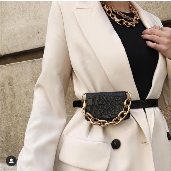 Zara belt bag bloggers favorite